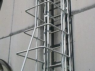 梯子ガード製作・設置工事