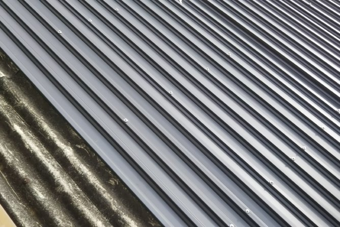 屋根GL鋼板重ね張り