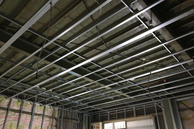 事務所内壁天井LGS施工